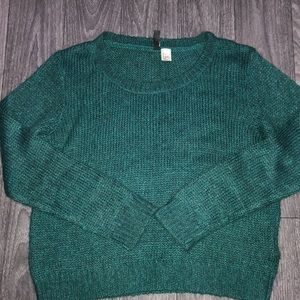 H&M Sweaters - H&M DIVIDED knitted crew neck sweater.